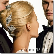 bride_hairstyle_with_clips_blonde